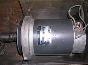 "This is the motor I like best, the GE ""boxback"" 1-1/8 hp motor. it has an external capacitor and reliable external centrifugal switch which is quite dust proof."